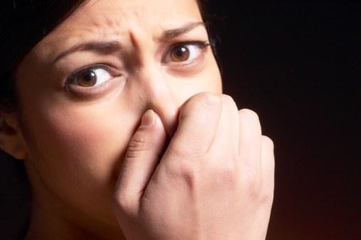 頭皮が臭い、は体のサイン。<br /> 気になるあなたが見直すべき7つの習慣