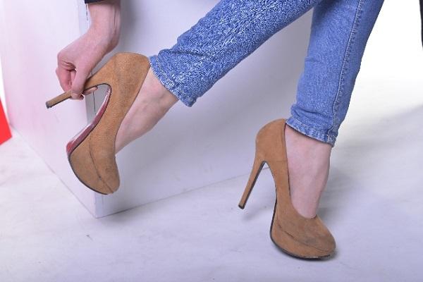 ヒールがあっても歩きやすい靴、7つのお薦めメーカー・ブランド