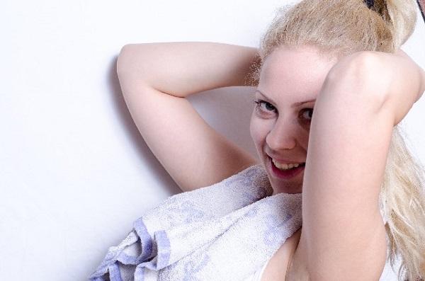 あなたの下腹がでてしまう7つの悪習慣・30代女性OL編